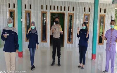 Mahasiswa Ners Kampus Ungu Bantu Gugus Tugas di Posko Siaga Covid-19 Dan Membagikan Handsanitizer