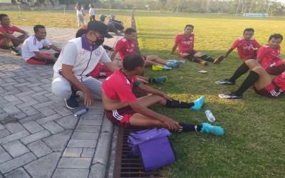 Tim AKu Sehat, Menjadi Paramedis Di Laga Sepak Bola Gayam Cup