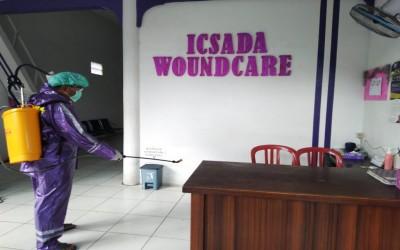 Cegah Penyebaran Covid-19, Kampus Ungu Lakukan Penyemprotan di Rumah Luka ICW
