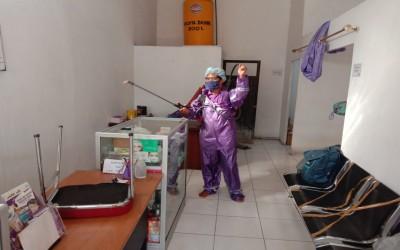 Cegah Covid-19, Kampus Ungu Lakukan Penyemprotan Desinfektan Di Rumah Luka ICsada Woundcare (ICW)