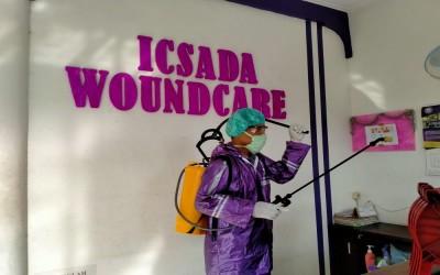 Cegah Penyebaran Covid-19, Kampus Ungu Lakukan Penyemprotan Desinfektan Di Rumah Luka ICsada Woundcare (ICW) Ke 38 Kali