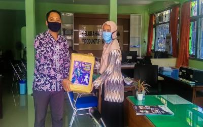 TIM Garuda ICsada, Serahkan Donasi Ke Petugas Gugus Tugas Covid-19 Kelurahan Kepatihan