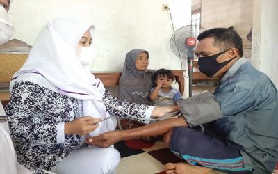 Kampus Ungu, Lakukan Penyuluhan Dan Pemeriksaan Kesehatan Keluarga Binaan (KaBi)
