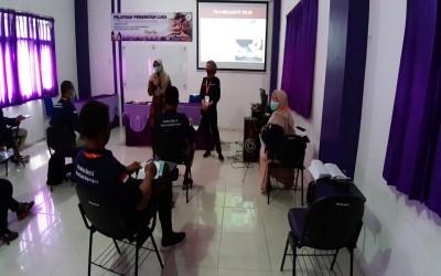 Hari Kedua Pelatihan CWCCA Di STIKes Insan Cendekia Husada Bojonegoro Dengan Tetap Menerapkan Physical Distancing