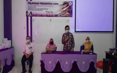 Pimpinan STIKes Insan Cendekia Husada Bojonegoro Pimpin Penutupan Pelatihan Perawatan Luka CWCCA