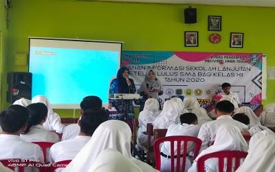 Kampus Ungu, Sosialisasi di SMAN 1 Dander