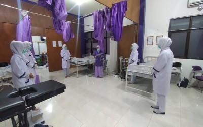 Mahasiswa Kampus Ungu Lakukan Praktek Klinik