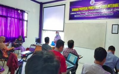 LPPM Kampus Ungu Gelar Seminar Proposal Penelitian Dosen Internal