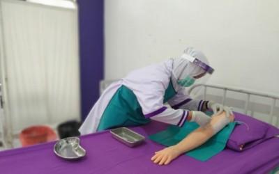 Kampus Ungu,  Prodi DIII Kebidanan semester 2 Laksanakan Ujian KDPK Laboratorium Dengan Protap Covid-19