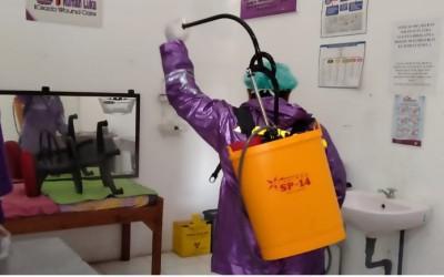 Cegah Covid-19, Kampus Ungu LakukanPenyemprotan Desinfektan DI Rumah Luka ICsada Woundcare (ICW)