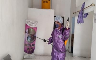 Cegah Penyebaran Covid-19, Kampus Ungu Lakukan Penyemprotan Desinfektan Di Rumah Luka ICsada Woundcare (ICW) Ke 60 Kali
