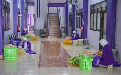 TIM Garuda ICsada Dan Mahasiswa Kampus Ungu Tetap Semangat Persiapan pendistribusian Sembako Bagi Warga Terdampak Covid-19