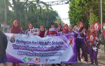 Mahasiswa Kampus Ungu Ajak Para Masyarakat Sadar Akan HIV/AIDS DI Car Free Day