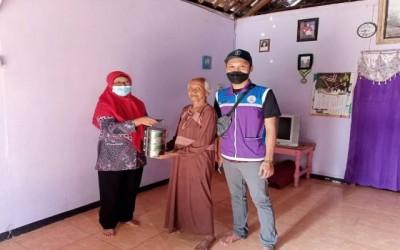 Komitmen Tim Sahabat Pertamina Bantu Posyandu Lansia Di Desa Ngampel