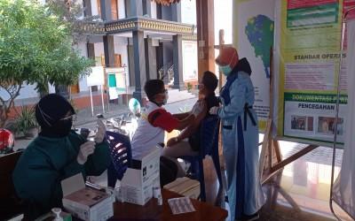 Lagi, STIKes ICsada ikut membantu mobilisasi dalam Gebyar Vaksinasi Lansia